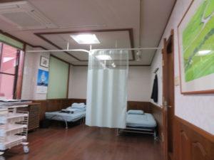 静岡市内クリニック様 ネット付き カーテン設置完了