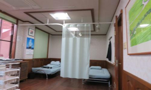 静岡市内クリニック様 ネット付きカーテンを設置しました